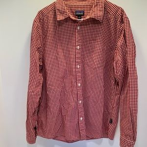 Patagonia red/white check button down men's large